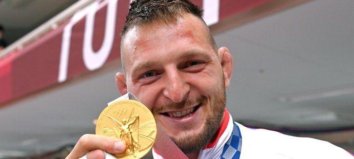 Lukáš Krpálek se zlatou olympijskou medailí z Tokia