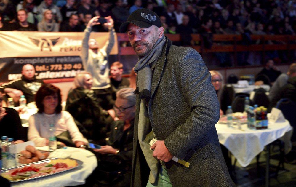 Tomáš Řepka na večeru bojových sportů, kde sledoval i zápas svého bývalého spoluhráče Miroslava Slepičky
