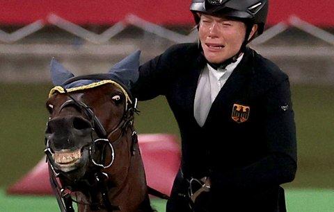 Německý svaz na ochranu zvířat podal žalobu na závodnici Anniku Schleuovou a reprezentační trenérku Kim Raisnerovou.