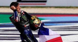 Quartararo slaví triumf v MotoGP, jistotu dal pád. Salač se propadl