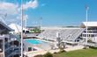 Podobně dopadl  plavecký bazén v řeckém hlavním městě.