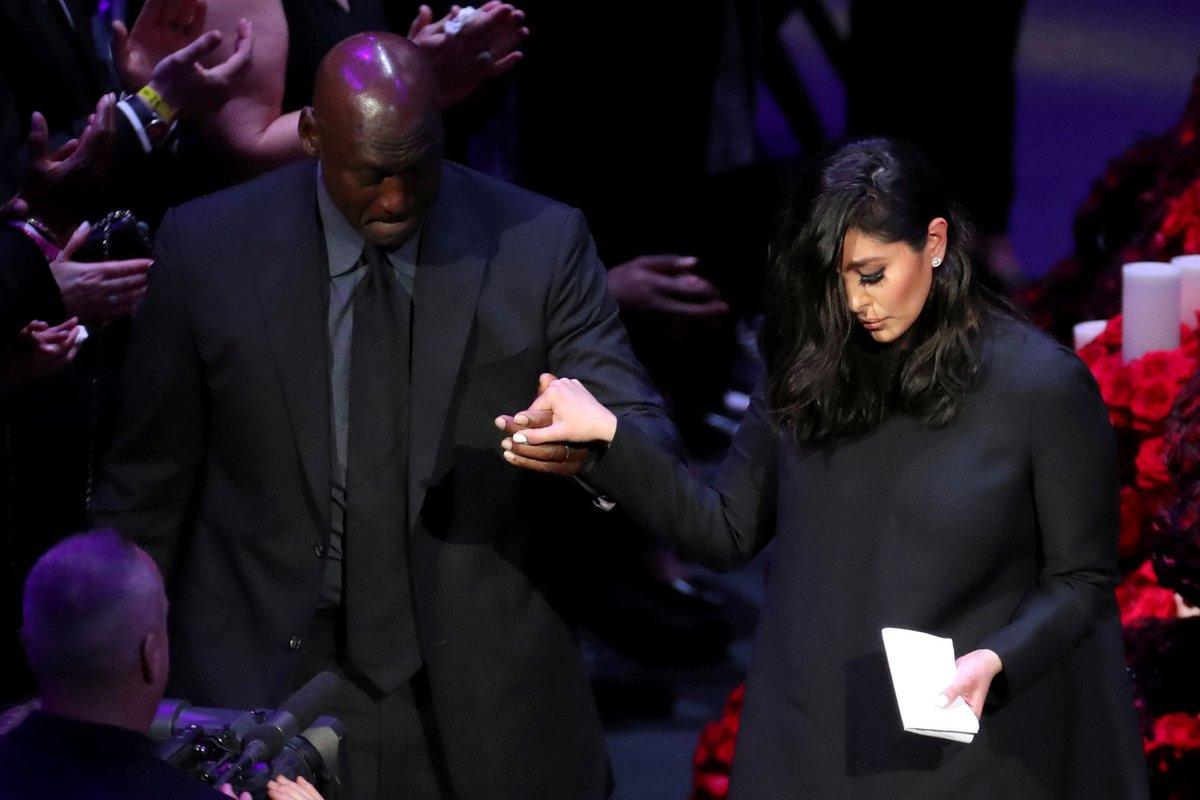Vdova Vanessa na posledním rozloučení s Kobe Bryantem