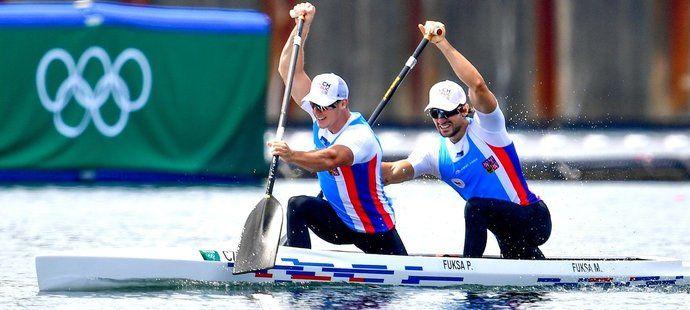 Petr a Martin Fuksovi během olympijského čtvrtfinále v Tokiu