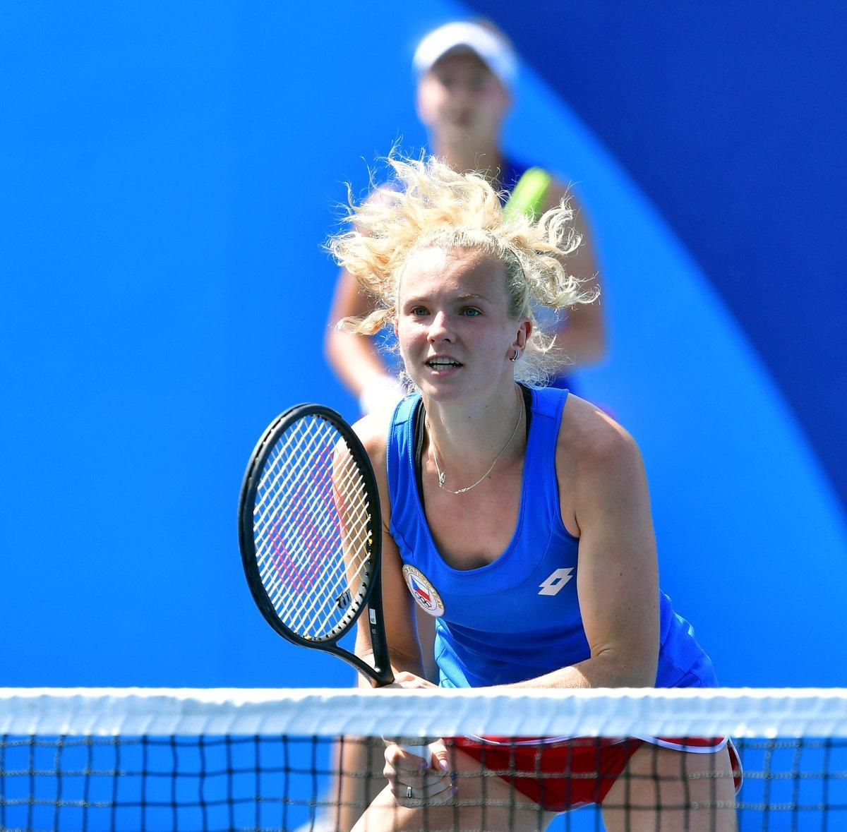 Barbora Krejčíková a Kateřina Siniaková během čtvrtfinále olympijského turnaje