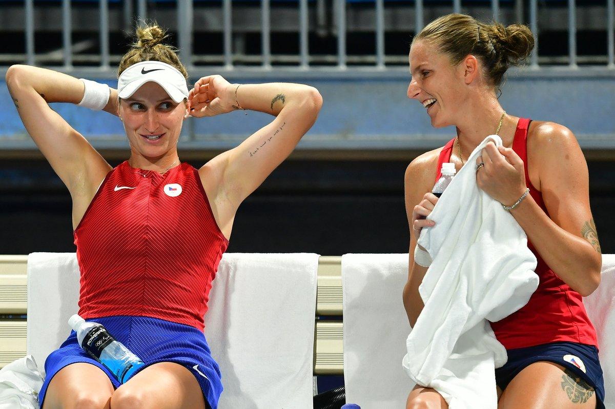 Vondroušová s Plíškovou v dobré náladě během osmifinále čtyřhry