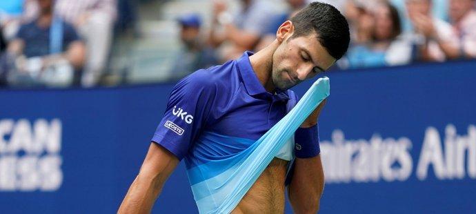 Zklamaný Novak Djokovič z průběhu finále
