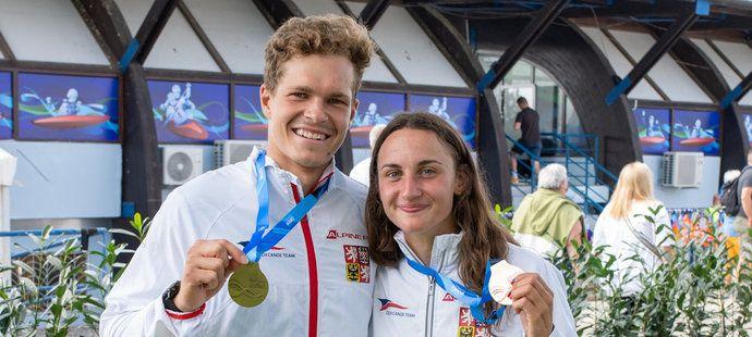Čeští hrdinové z MS ve vodním slalomu: zlatý Václav Chaloupka a bronzová Gabriela Satková