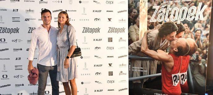 Barbora Seemanová a Matyáš Písačka na premiéře Zátopka
