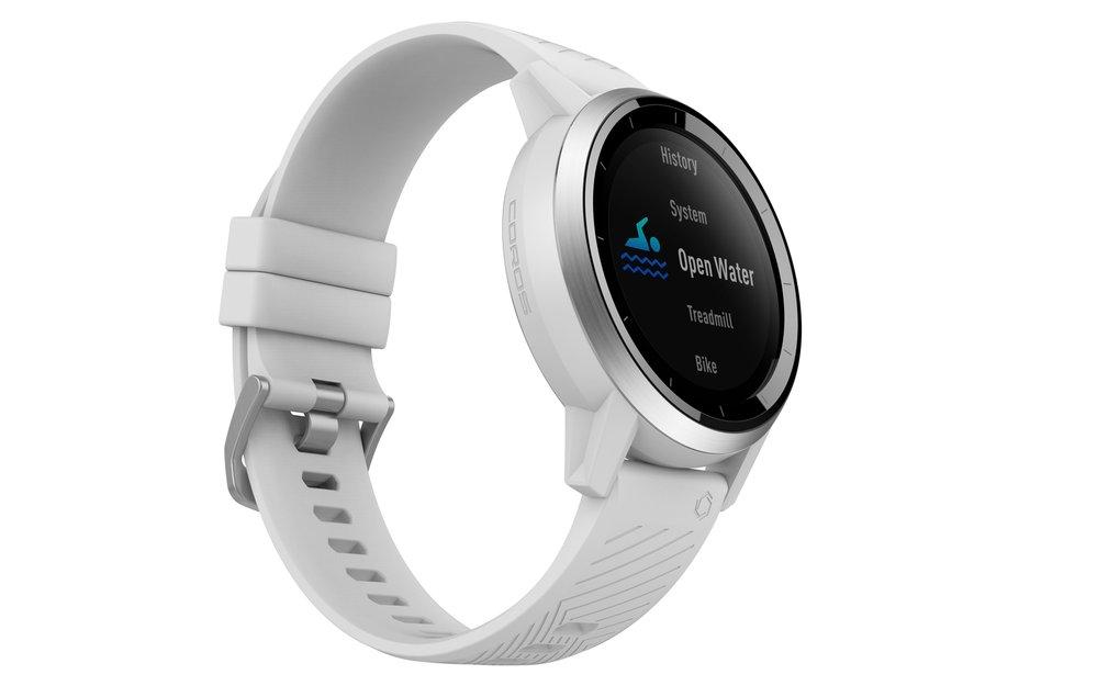 Multisportovní hodinky Apex značky Coros  pro sportování na vyšší úrovni, Apex – 8190 Kč, Apex Pro – 13 490 Kč, tsbohemia.cz