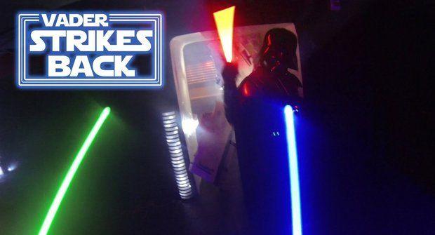 Star Wars souboj: Darth Vader vrací úder!
