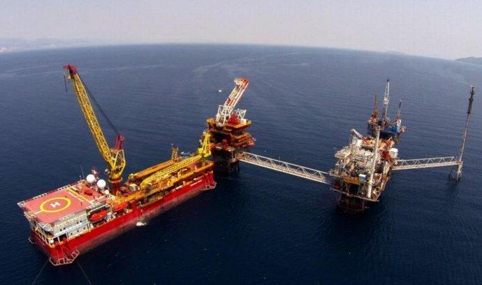 Stavba těžební plošiny řecké firmy Energean Oil & Gas