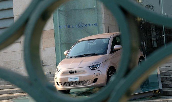 Stellantis do roku 2030 chce, aby přes 70 procent jejích vozů prodaných v Evropě bylo nízkoemisních.