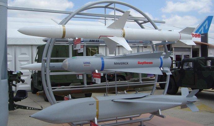 střely, bomby a rakety z dílny zbrojovky Raytheon