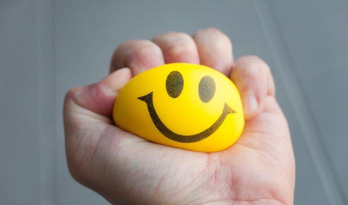 Dlouhodobý stres vyplavuje hladinu kortizolu, což je pro tělo vyčerpávající.