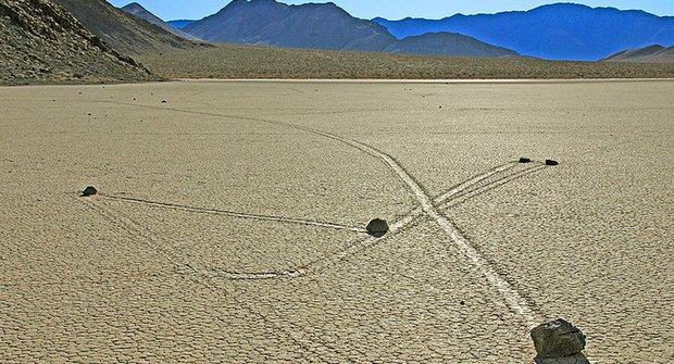 Na návštěvě v Údolí smrti: Záhada kamenů v pohybu