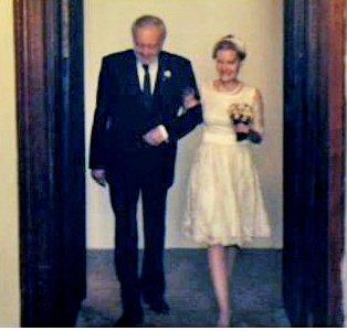 Svatebčané zářili štěstím.
