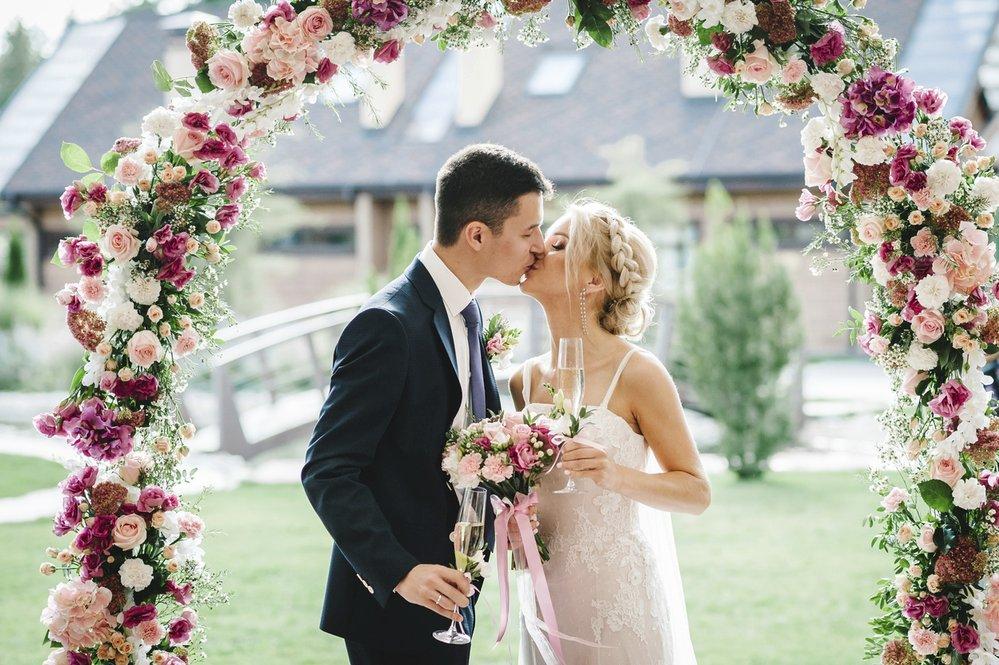 Čím obdarovat novomanžele?