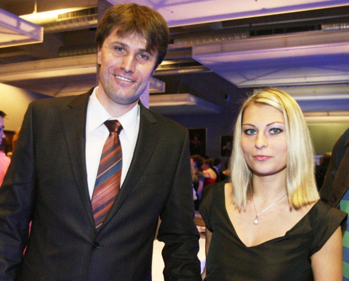 Sportovní moderátor Pavel Poulíček a Petra  říjen 2012