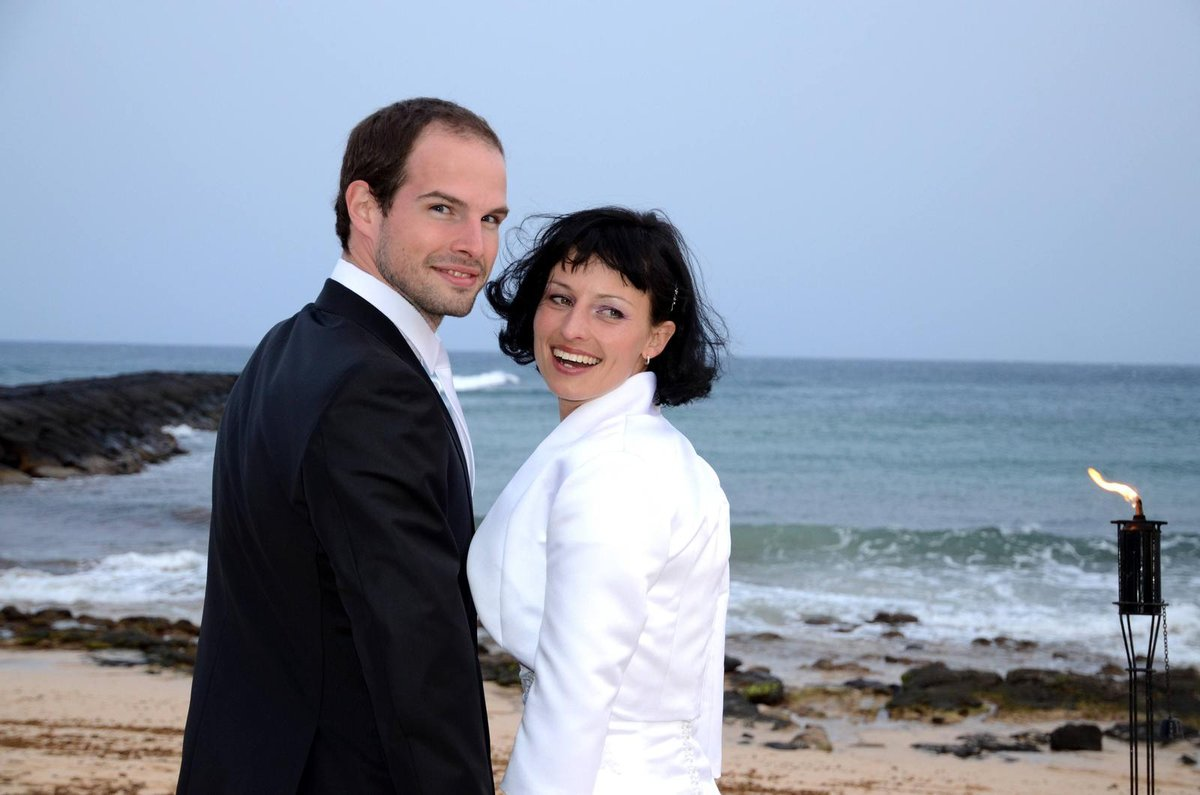 Zpěvák Jan Maxián člen skupiny Nightwork a Lucie  duben 2012