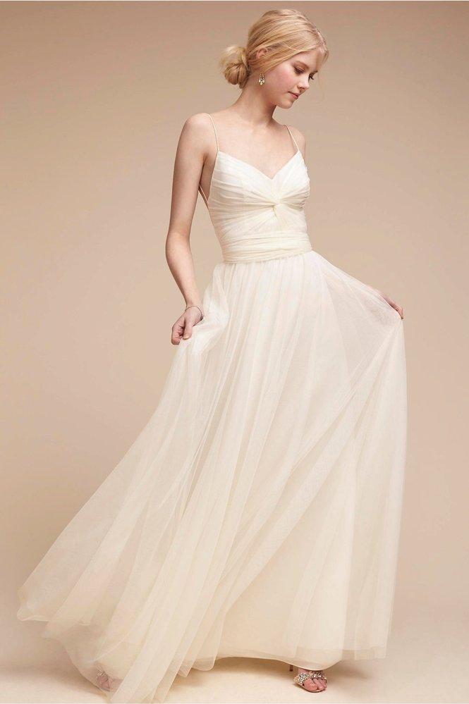 Svatební šaty, BHLDN, 260 USD, www.bhldn.com