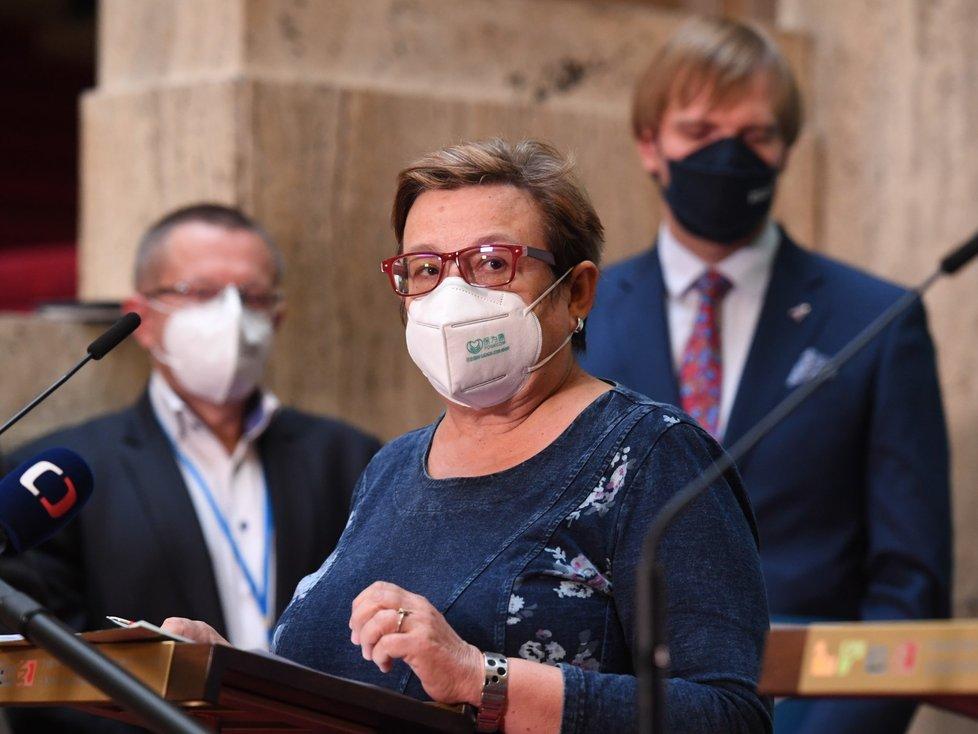 Hlavní hygienička Pavla Svrčinová na tiskové konferenci k aktuální epidemiologické situaci (15.10.2021)