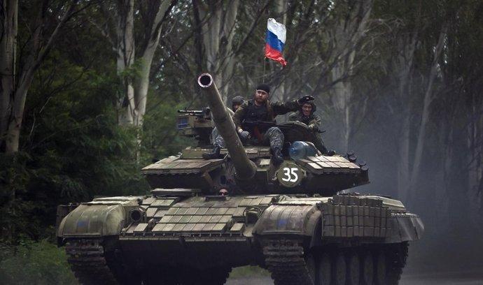 Tank proruských separatistů na východě Ukrajiny (duben 2015)