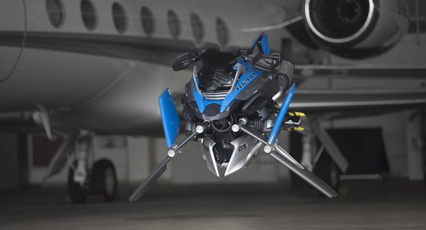 Létající motorka BMW a Lego Technic: Kyberpunk zblízka!