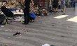 Při útoku v Barceloně bylo zraněno několik desítek lidí, lidé na místě byli v šoku.