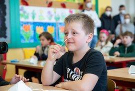 Pyramida školních opatření: Návrat do škol ve stylu hlavolamu pro pokročilé