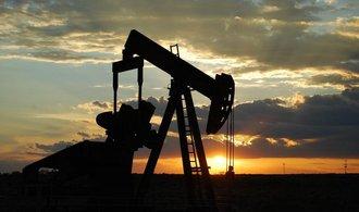 Ropa Brent v hledáčku investorů. Jak se chová cena?