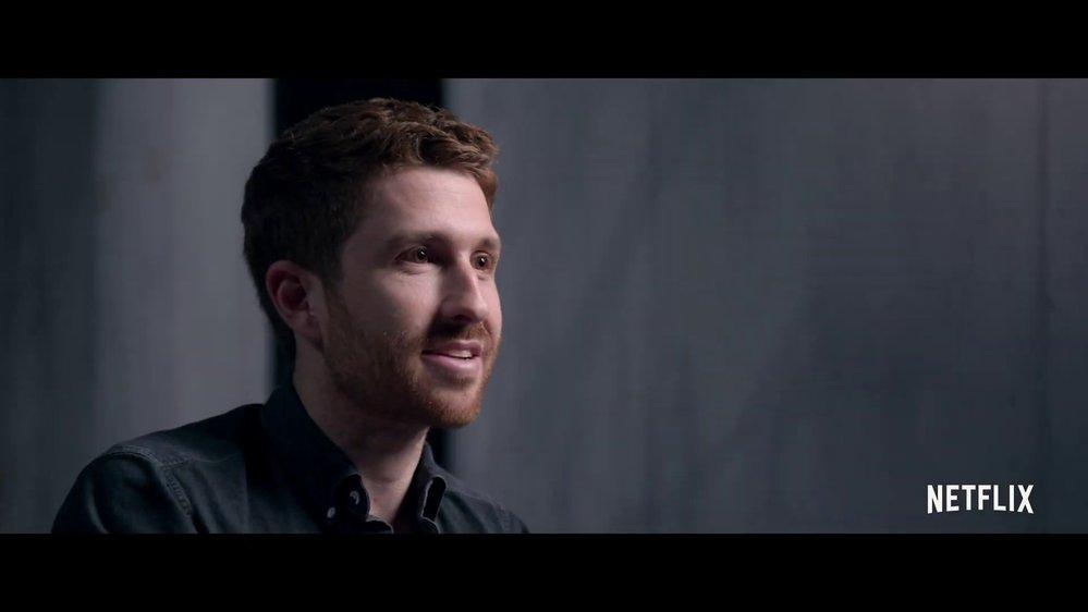 Tristan Harris - Americký etik, počítačový vědec a podnikatel. Je prezidentem a spoluzakladatelem Centra pro humánní technologie. Dříve pracoval jako designový etik ve společnosti Google.