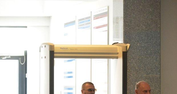 Tomáš Řepka u soudu kvůli pornoútokům s inezeráty na jeho bývalou ženu Vlaďku Erbovou.