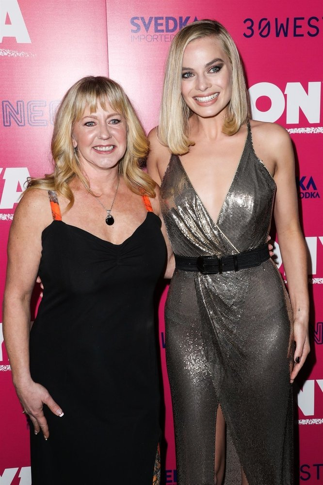 Tonya s Margot Robbie, která si ji zahrála ve filmu Já, Tonya.