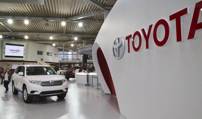 Toyota zůstala jedničkou v prodejích automobilů.