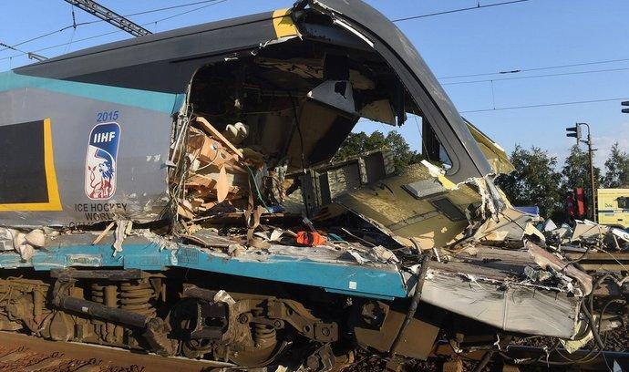 Tragická srážka vlaku Pendolino s kamionem ve Studénce