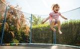 Ako správne ukotviť a zabezpečiť trampolínu?