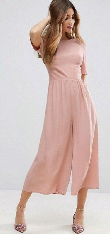 Pudrově růžový overal, asos.com, £38