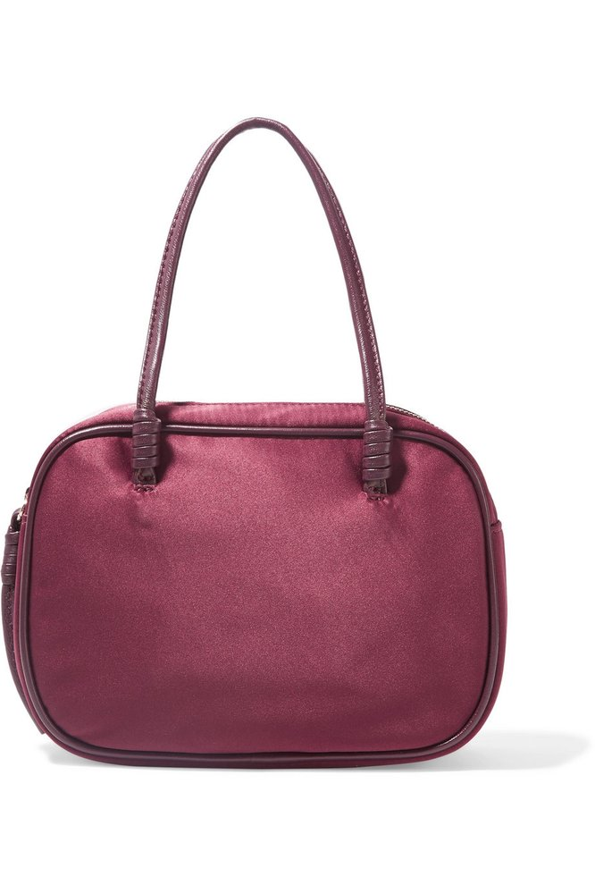 Saténová kabelka, Elizabeth and James, 176 eur, prodává Net-a-Porter.com