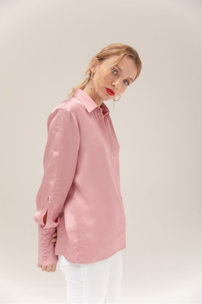Saténová košile, Musier Paris, 115 eur, www.musier-paris.com