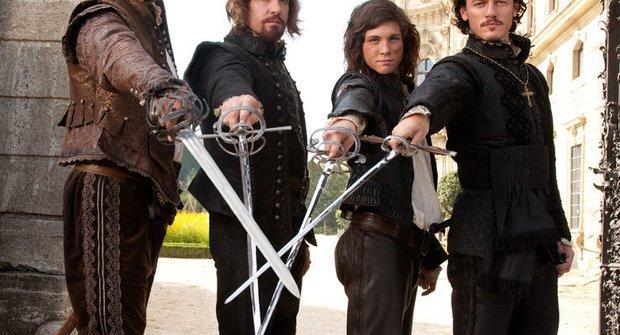 Tři mušketýři kříží kordy v nové podobě