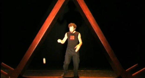 VIDEO: Obří triangl