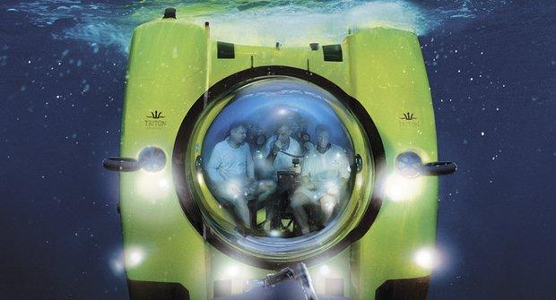 Ponorka Triton: Za hodinu na dně světa