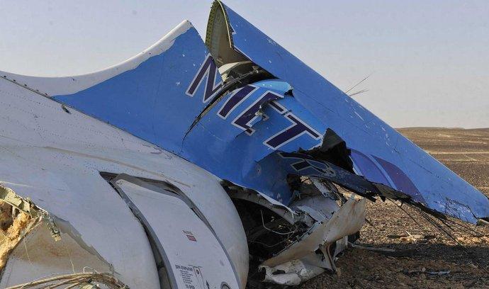Trosky letounu společnosti Metrojet na Sinaji