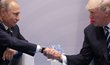 Ruský prezident Vladimir Putin (vlevo) a americký prezident Donald Trump se setkali na okraj summitu G20 (7. 7. 2017)