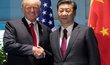 Setkání amerického prezidenta Donalda Trumpa a čínského prezidenta Si Ťin-pchinga.
