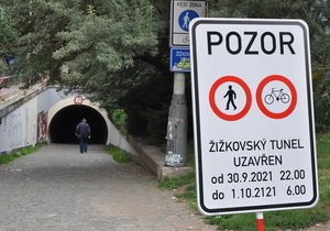100-year closure of the Žižkov tunnel?  Fortunately, just a mistake.