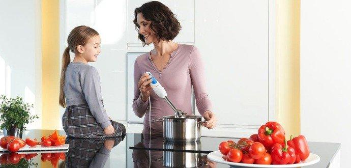 Kupujeme mixér: ruční, stolní, nebo tyčový?