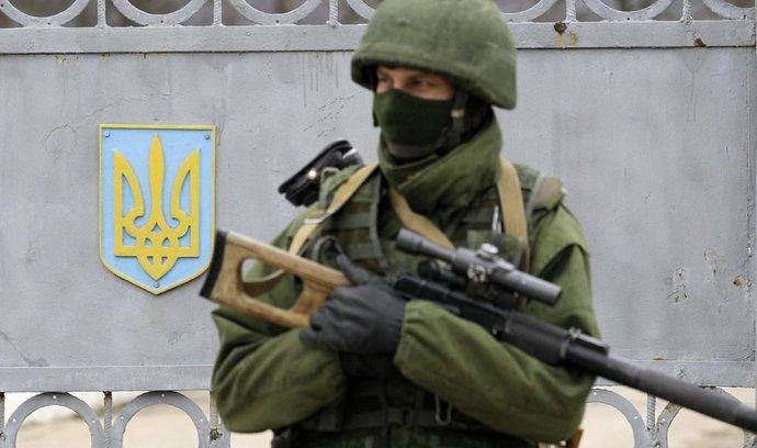 Ukrajinský Krym kontrolují neoznačení vojáci