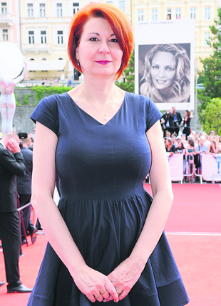 Jako tisková mluvčí karlovarského festivalu působí od roku 2000.
