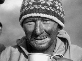Umíral sám. Zapomenutý Čechoslovák, který první dobyl Everest, zahynul při sestupu